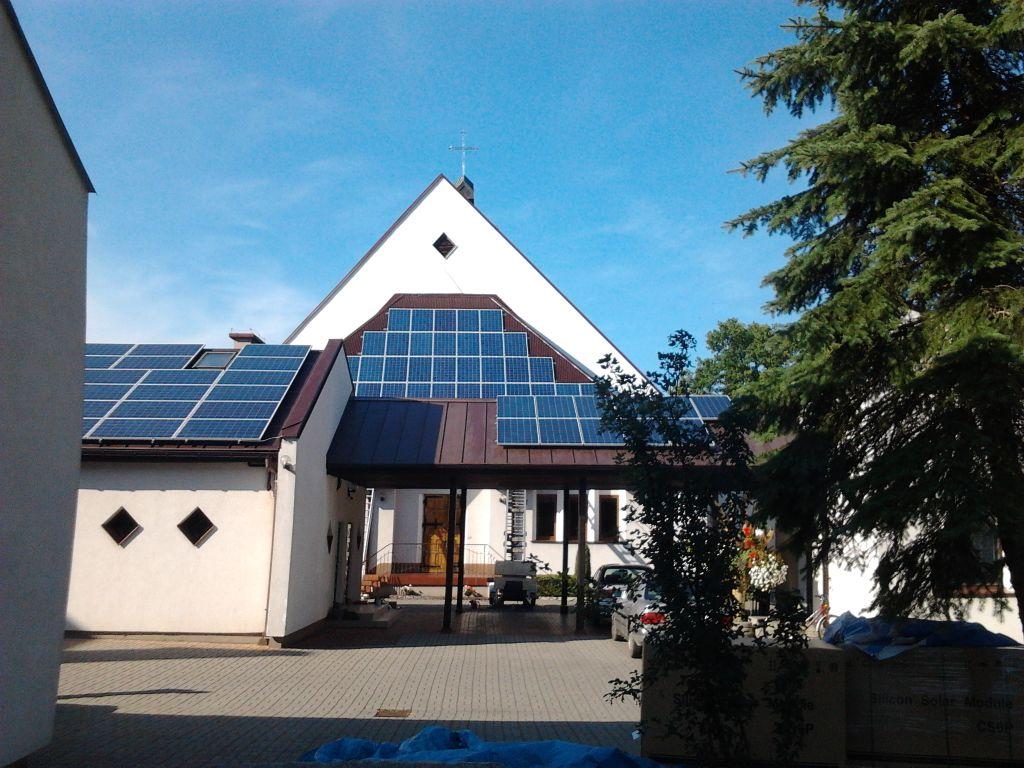 Instalacja PV o mocy 37,44 kWp z podłaczeniem do sieci energetycznej.